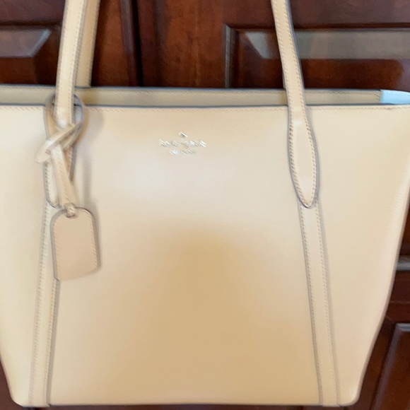 Brand new Kate Spade tote purse. Never used.